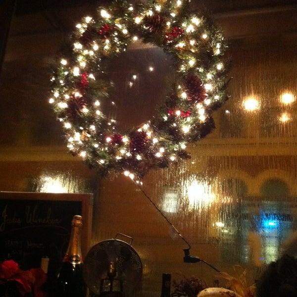 12/30/2012 tarihinde Margie B.ziyaretçi tarafından Jadis'de çekilen fotoğraf