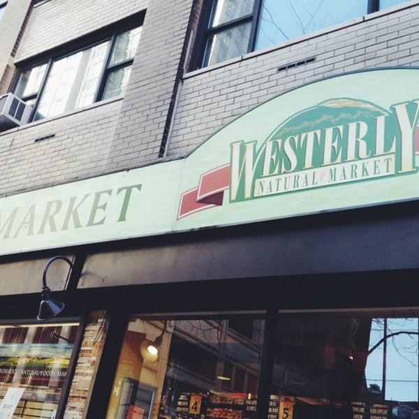 Foto tirada no(a) Westerly Natural Market por Elevine B. em 4/9/2014
