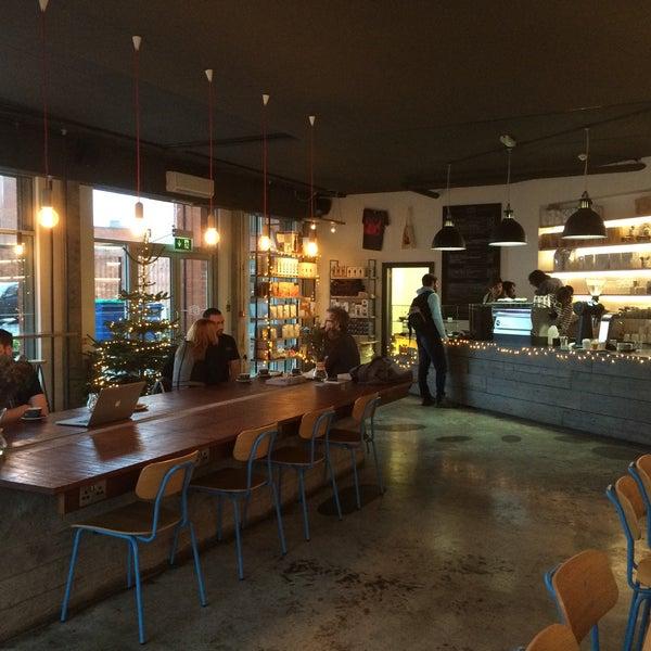 Foto tomada en Established Coffee por Robert M. el 12/10/2014
