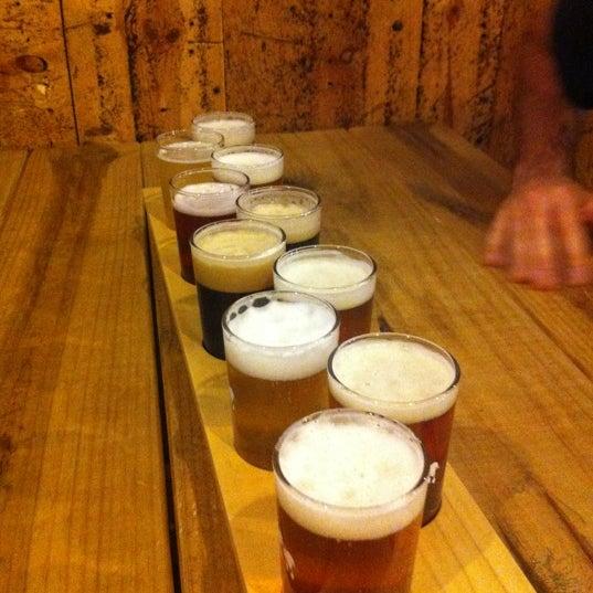 Das Foto wurde bei Strange Craft Beer Company von Rachel am 9/22/2012 aufgenommen