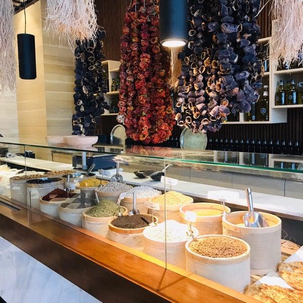 Photo prise au Seraf Restaurant par Emel K. le5/15/2019