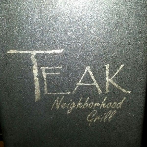 Foto tirada no(a) Teak Neighborhood Grill por Crystal K. em 2/13/2013