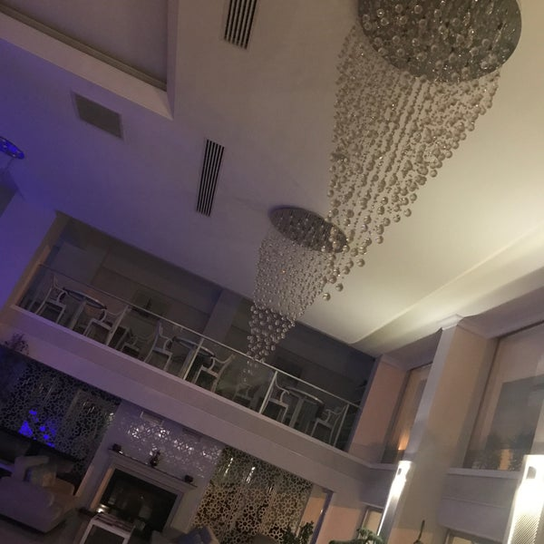 Foto diambil di Çimenoğlu Otel oleh Ali Mümin Yılmaz pada 1/12/2018