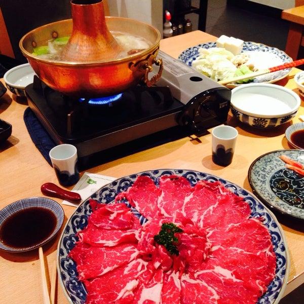Снимок сделан в Kiku Restaurant пользователем Daniel K. 5/16/2014