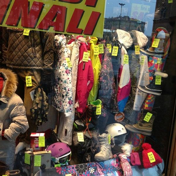 53464eb70991 Fini Sport - Negozio di abbigliamento in Porto