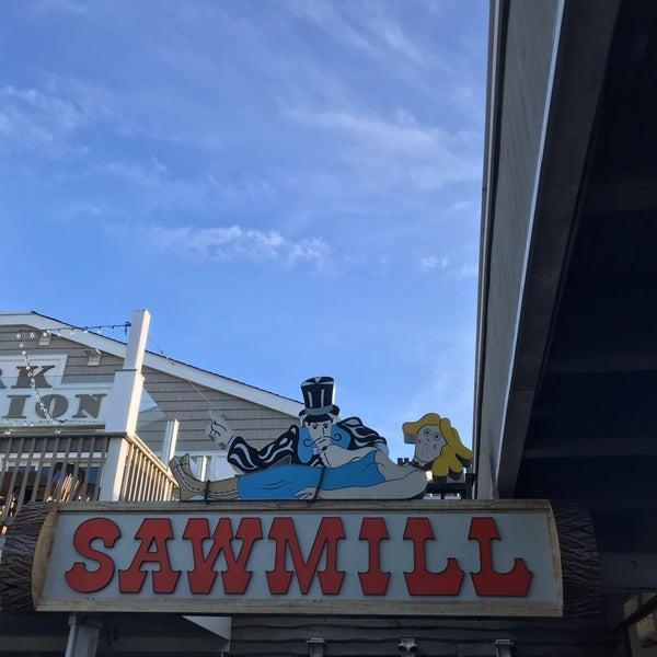 Foto diambil di The Sawmill oleh Farhad S. pada 9/2/2019
