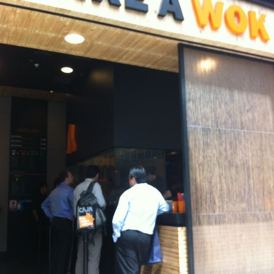 Foto tirada no(a) Take a Wok por David C. em 10/29/2012