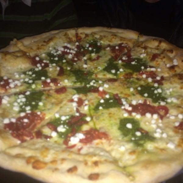 Foto scattata a The Pizza Pub da Jonathan G. il 4/27/2014