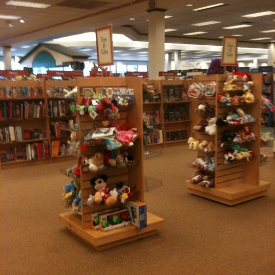 Barnes & Noble - 15 tips from 2160 visitors