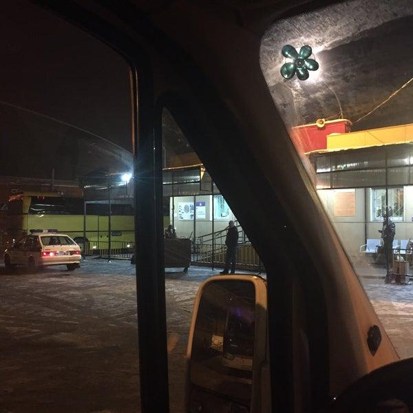 фото ночного автовокзала новоясеневская она