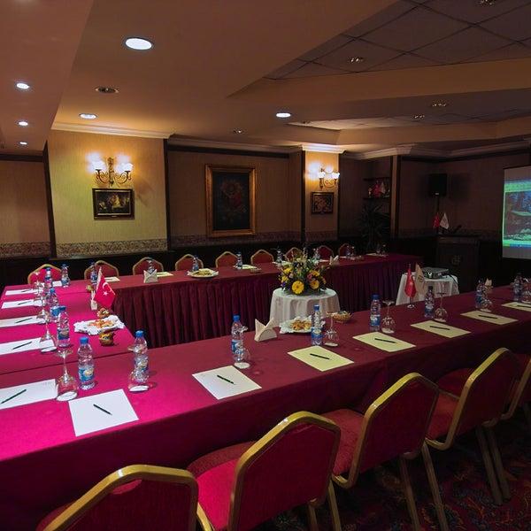 2/19/2014 tarihinde Germir Palas Hotel,İstanbulziyaretçi tarafından Germir Palas Hotel,İstanbul'de çekilen fotoğraf