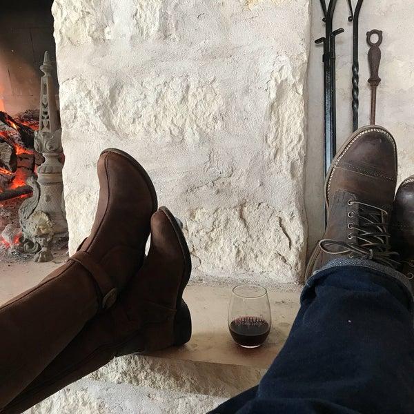Foto diambil di Driftwood Estate Winery oleh Randy W. pada 2/11/2018