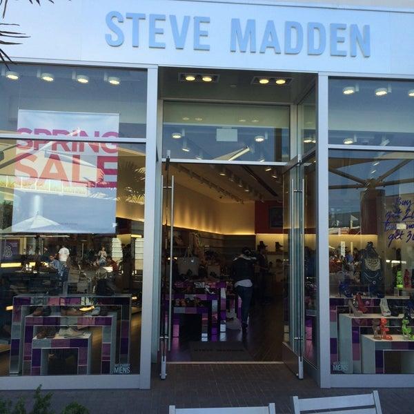 56a1ff61db3 Steve Madden - Shoe Store