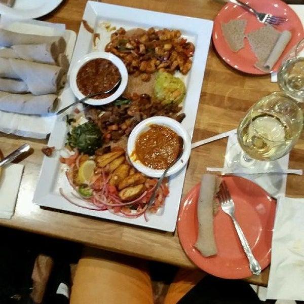 Foto scattata a Desta Ethiopian Kitchen da Mary B. il 11/9/2014