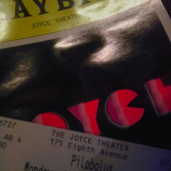 Photo prise au The Joyce Theater par ᴡᴡᴡ.Oree.linodxz.ru H. le7/22/2013