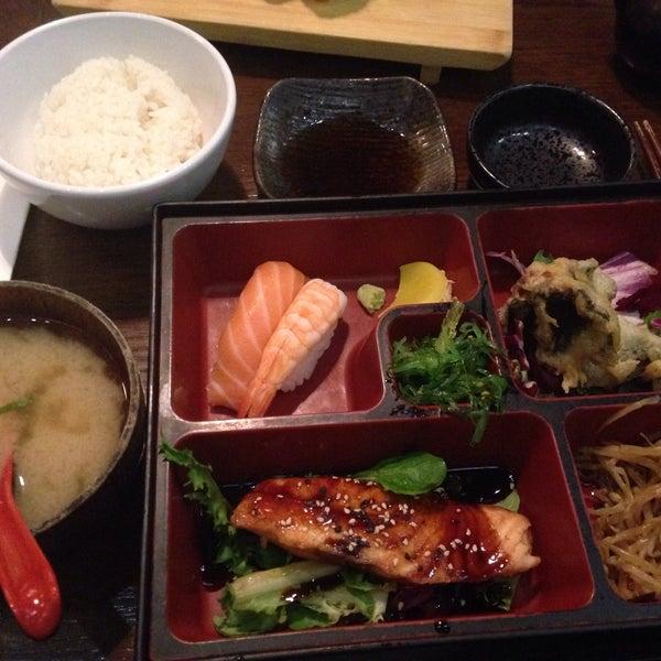 12/17/2015 tarihinde Eleeza S.ziyaretçi tarafından Banyi Japanese Dining'de çekilen fotoğraf