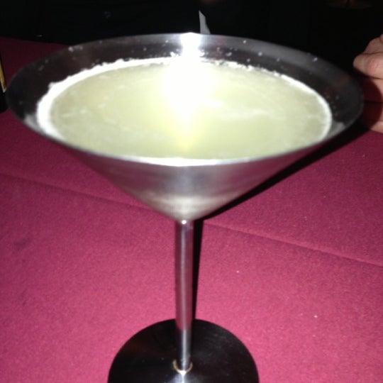 Photo prise au Dee Lincoln's Bubble Bar & Private Events par Lori N. le12/16/2012