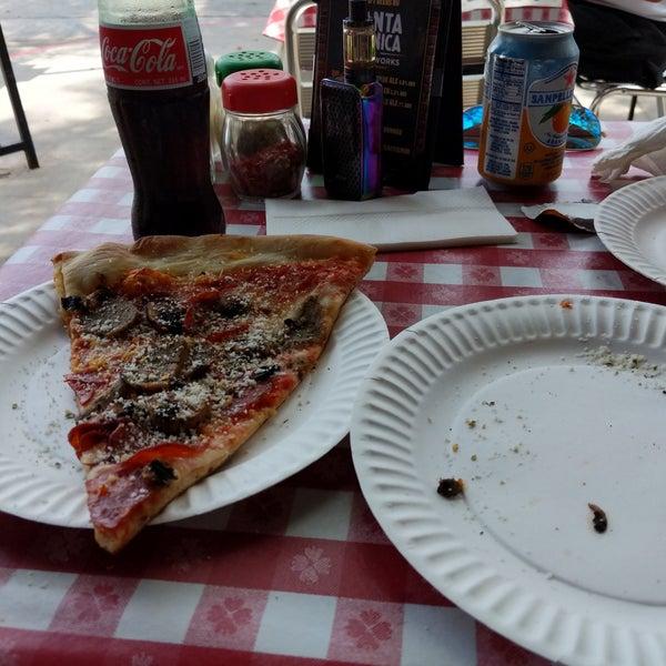 Foto scattata a La Rocco's Pizzeria da ᴡᴡᴡ.Corey.18sexy.co S. il 7/16/2018