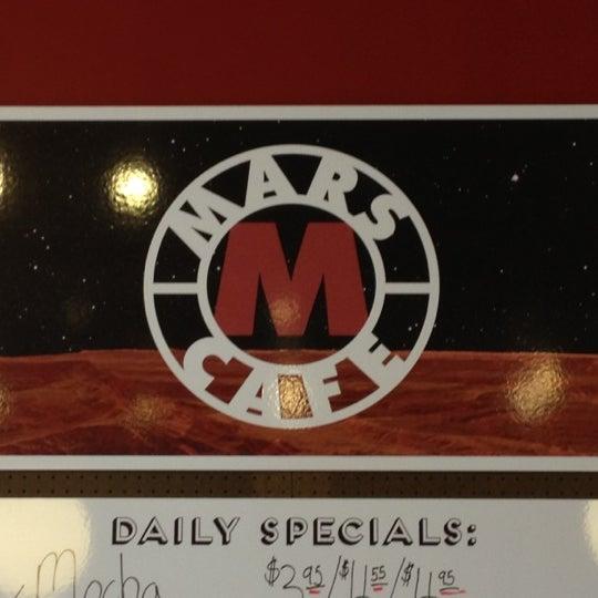 Foto diambil di Mars Cafe oleh Crystal pada 11/18/2012