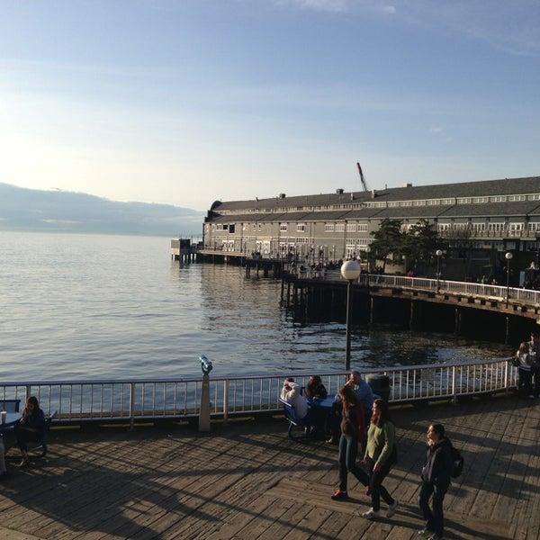 Das Foto wurde bei Waterfront Park von Jensen L. am 3/10/2013 aufgenommen