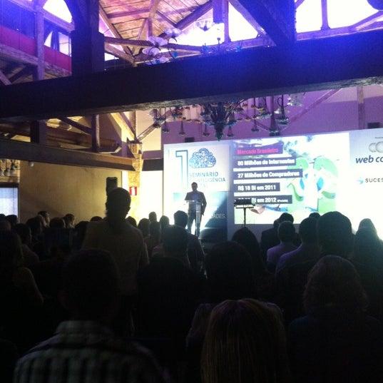 10/2/2012 tarihinde Charlles N.ziyaretçi tarafından Espaço Meet'de çekilen fotoğraf