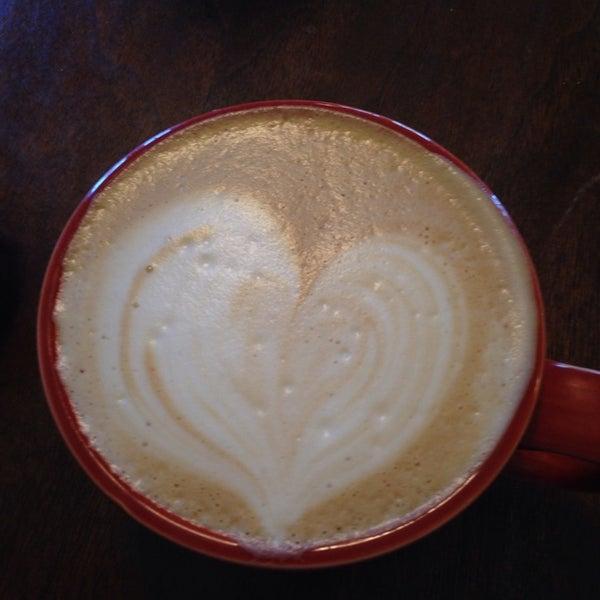 Photo prise au The South Store Cafe par Natalia le4/13/2014
