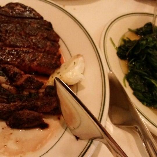 7/27/2014にElaine H.がJoe's Seafood, Prime Steak & Stone Crabで撮った写真