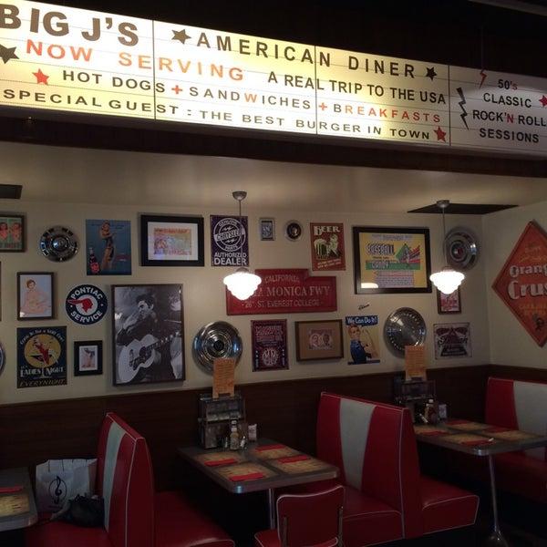 Foto scattata a Bernie's Diner da Юлия С. il 5/27/2014
