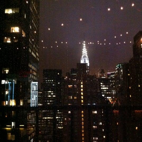 รูปภาพถ่ายที่ Upstairs โดย Maria V. เมื่อ 12/27/2012