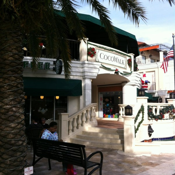 Great outdoor shopping and dining.