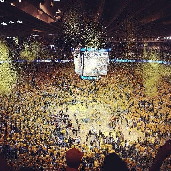 รูปภาพถ่ายที่ Oakland Arena โดย Melissa D. เมื่อ 5/13/2013