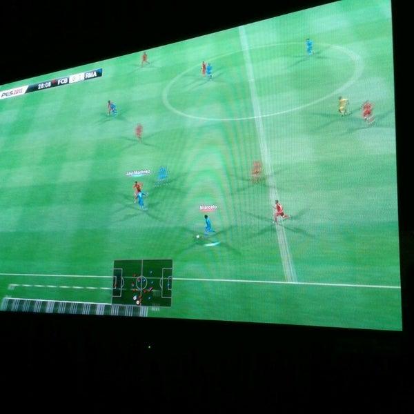 2/3/2014 tarihinde Mertcan Ö.ziyaretçi tarafından Bandırma KING Playstation'de çekilen fotoğraf