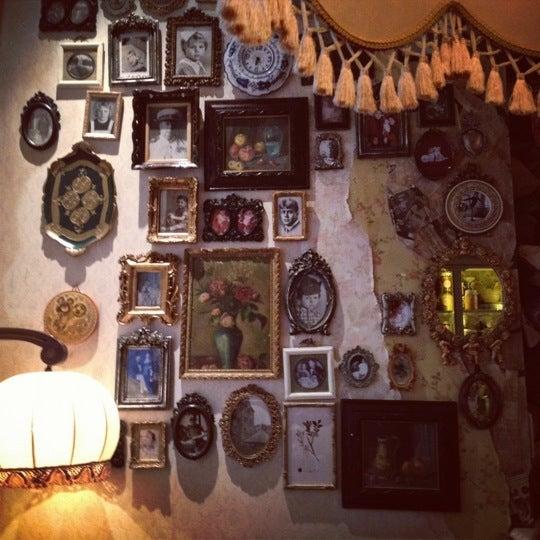 รูปภาพถ่ายที่ Mari Vanna โดย Daria L. เมื่อ 10/13/2012