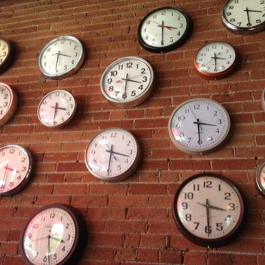 8/6/2012 tarihinde Marcziyaretçi tarafından SCHOOL Restaurant'de çekilen fotoğraf