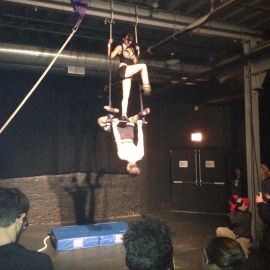 Photo prise au Bottom Lounge par Nate D. le10/26/2012