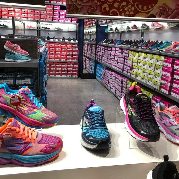 skechers shoe store