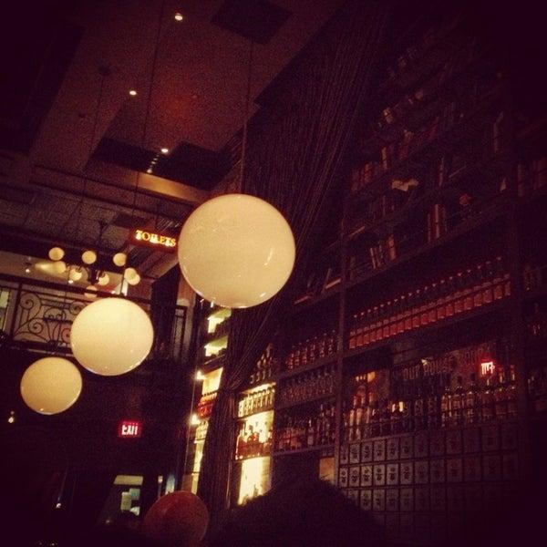 2/17/2013에 Jethro P.님이 The Misfit Restaurant + Bar에서 찍은 사진
