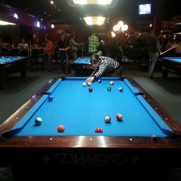 3/30/2014에 Theodore M.님이 Two Stooges Sports Bar & Grill에서 찍은 사진