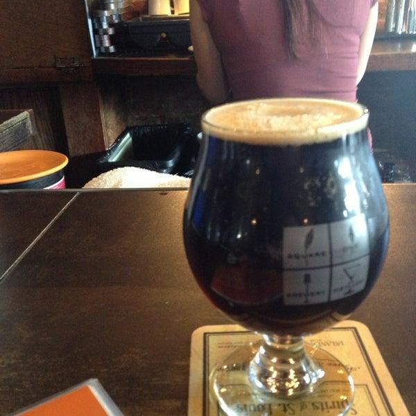 Das Foto wurde bei Square One Brewery & Distillery von Stephen E. am 3/8/2013 aufgenommen
