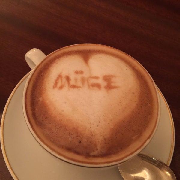 Foto diambil di Cipriani oleh Muge Princesse t. pada 4/6/2015