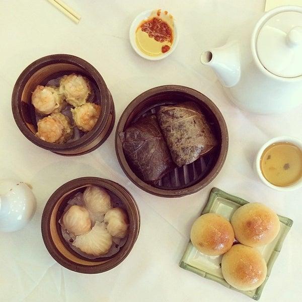 3/8/2014에 Joshua F.님이 Oriental Garden 福臨門海鮮酒家에서 찍은 사진