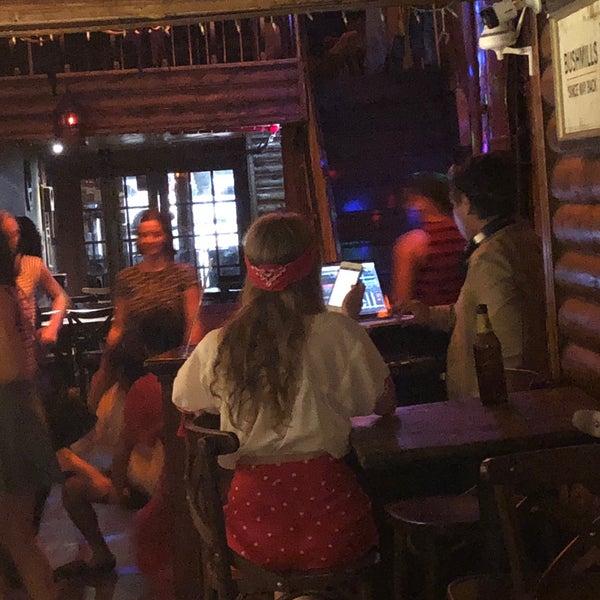 Photo prise au Mehanata Bulgarian Bar par Mandar M. le8/17/2018