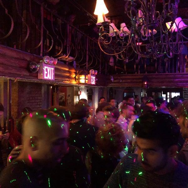 Photo prise au Mehanata Bulgarian Bar par Mandar M. le9/15/2018