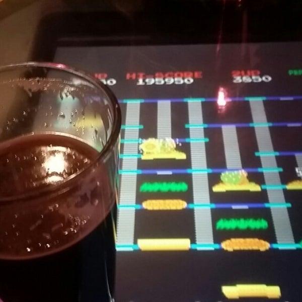 Foto scattata a Hi Scores Bar-Arcade da Niagara Handyman P. il 12/23/2015