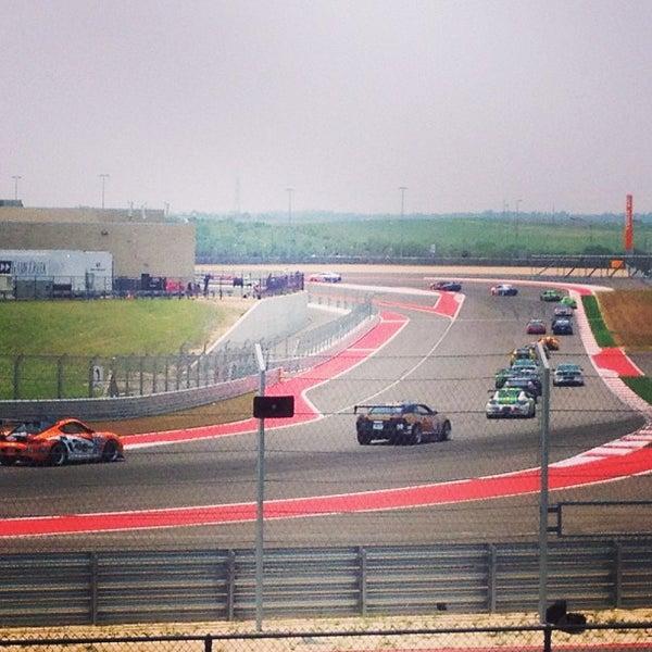 5/18/2013 tarihinde Adrian S.ziyaretçi tarafından Circuit of The Americas'de çekilen fotoğraf