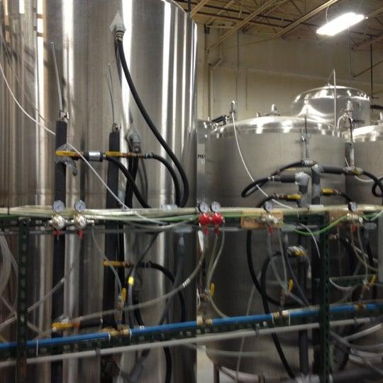 Снимок сделан в Saugatuck Brewing Company пользователем Veronica S. 10/6/2012