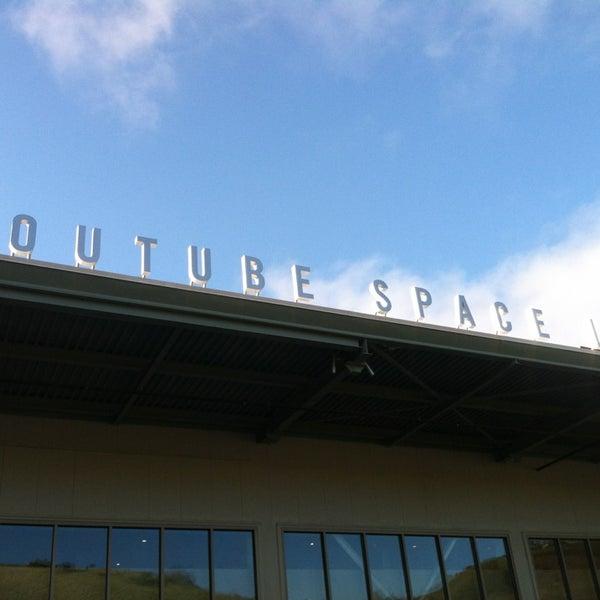 Снимок сделан в YouTube Space LA пользователем Eddie K. 3/31/2013