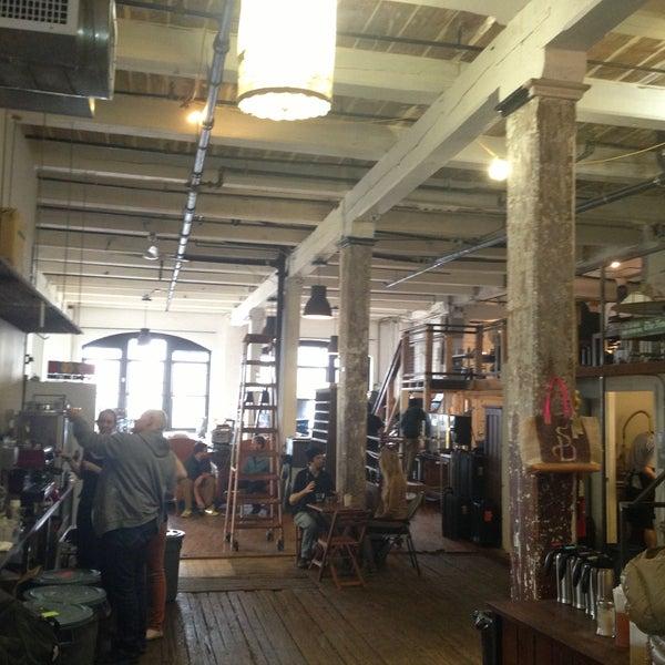 Das Foto wurde bei Brooklyn Roasting Company von Andrew W. am 5/14/2013 aufgenommen