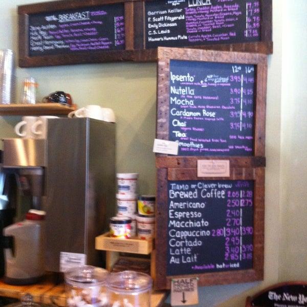 Foto tomada en Ipsento Coffee House por Amanda G. el 6/28/2013
