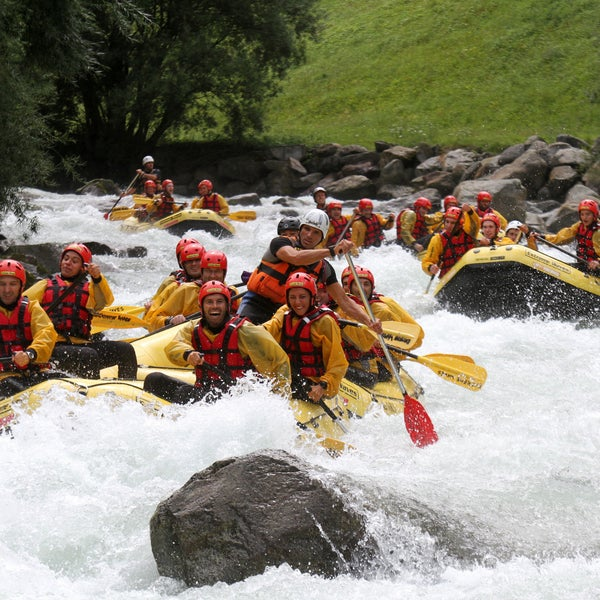 Foto scattata a Extreme Waves Rafting da Extreme Waves Rafting il 2/10/2014